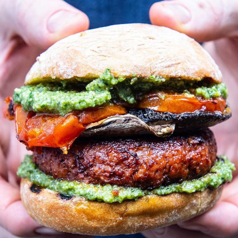 meatless-chipotle-pesto-burger