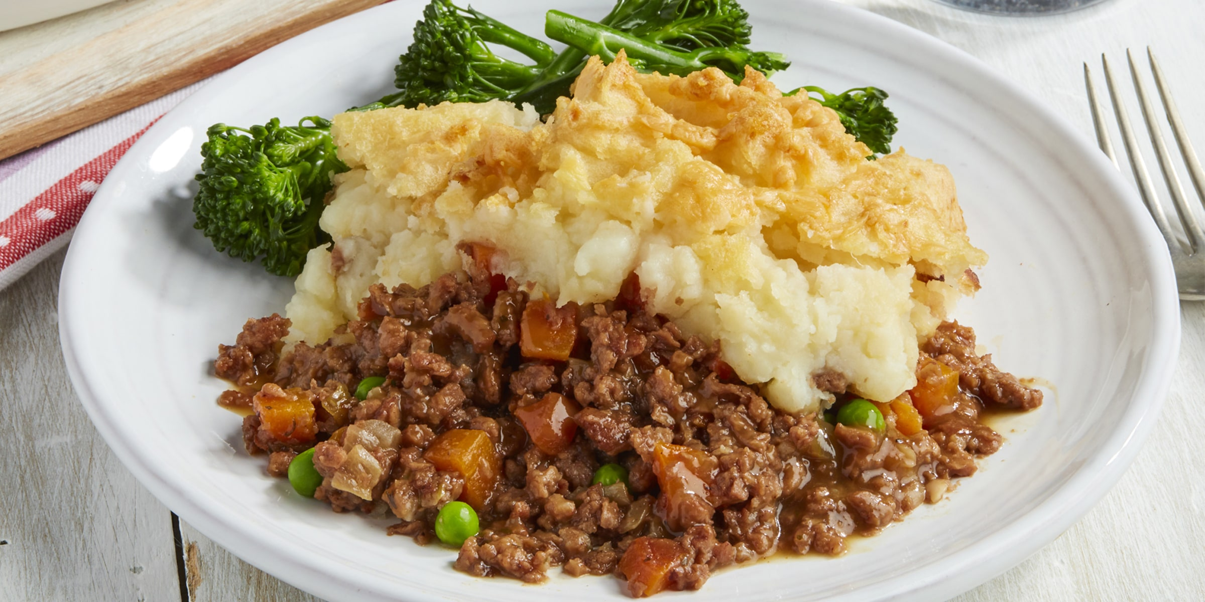 Meat-free cottage pie with Meatless Farm mince, peas, carrot, mashed potato and broccoli