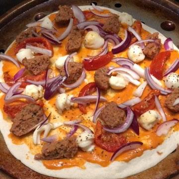Meatless tortilla pizza