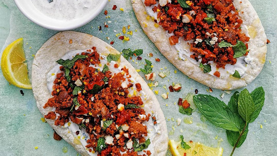 Meatless Mince and mint flatbread