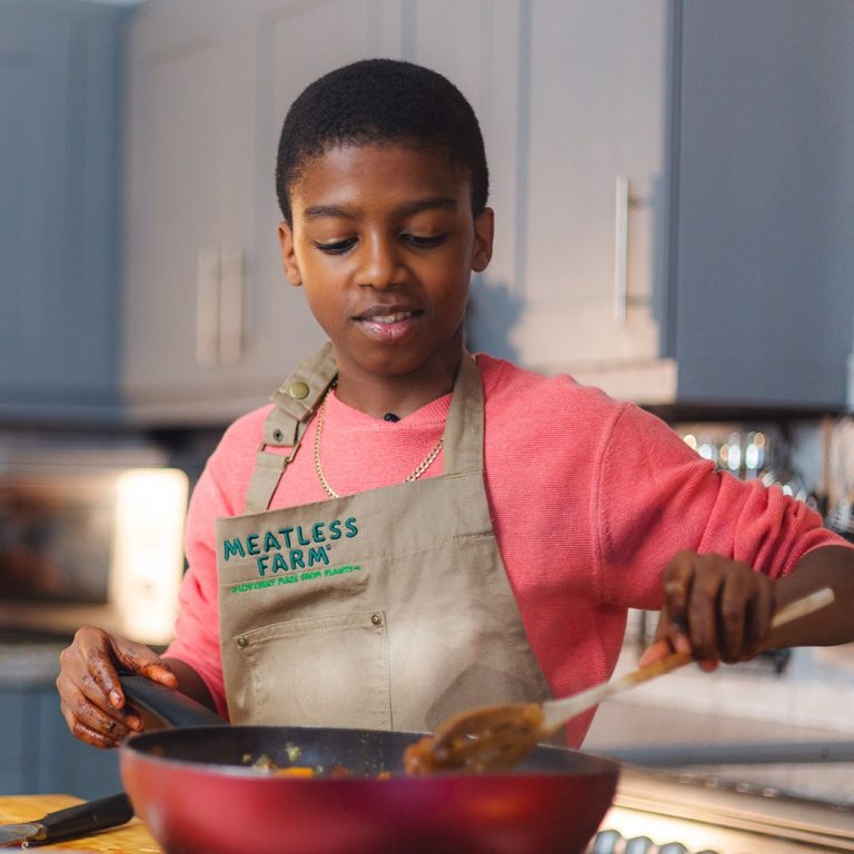 omariOmari McQueen cooks with Meatless Farm
